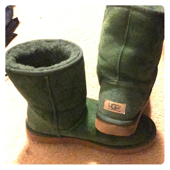 Emerald Green Ugg Boots Womens size 10. M 5ae113d605f4300b5a4dfc77 044e15351